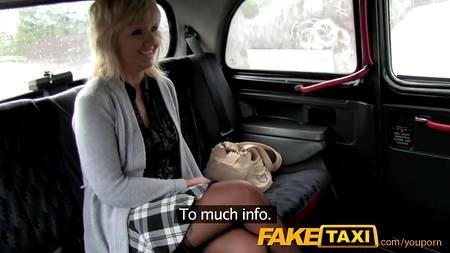 Почтенная с виде женщина оказалась той еще баловницей и легко согласилась на анал и взять за щеку в Fake Taxi