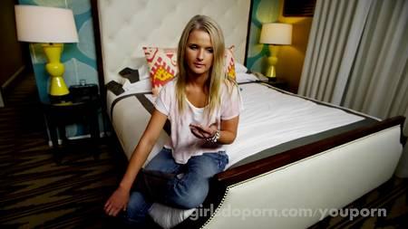 Девушка приехала на кастинг ебаться, где ее дрючит незнакомец в номере отеля