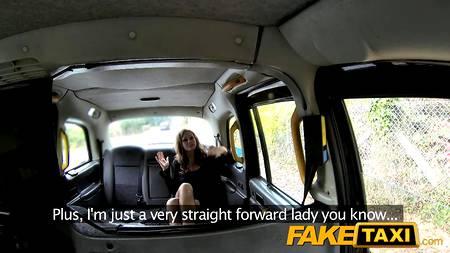 Смешливая деваха прокатилась на fake taxi и была грубо отодрана в тугую жопу прямо на капоте в лесу